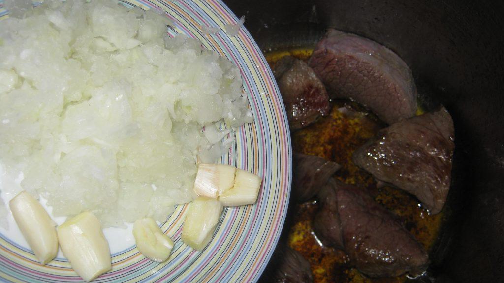 Συνταγή για μελιτζάνες με μοσχαράκι - 7