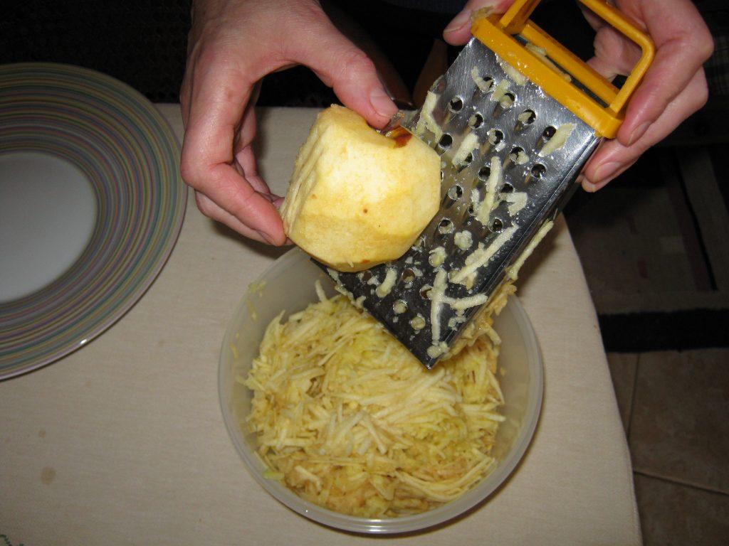 Συνταγή για μηλόπιτα τριφτή - 2