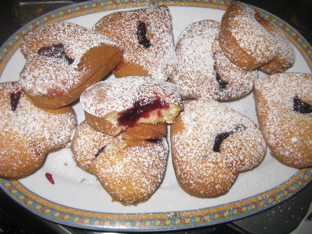 Μικρά κέικ με μαρμελάδα - Συνταγή για γλυκό -