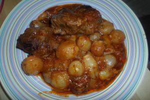 Μοσχαράκι Στιφάδο - Συνταγή - ηχωμαγειρέματα