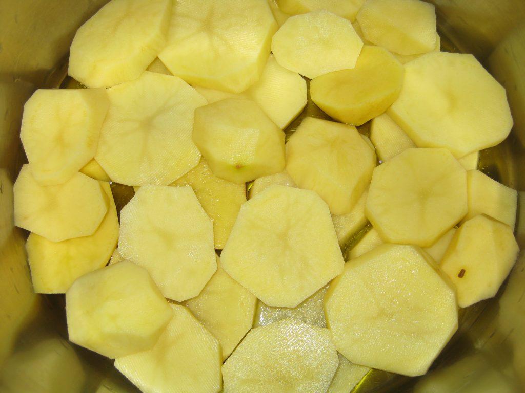 Μπακαλιάρος με πατάτες στη κατσαρόλα - 2