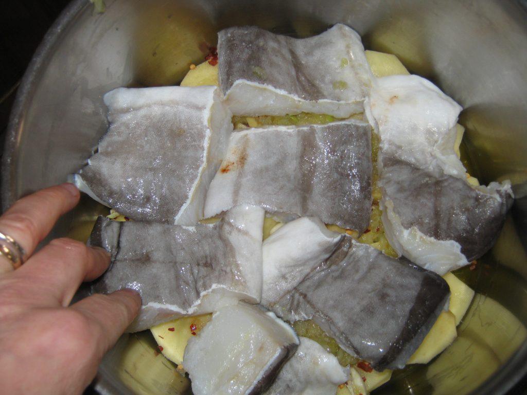 Μπακαλιάρος με πατάτες στη κατσαρόλα - 8