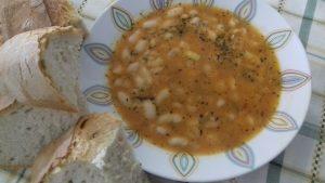Πατροπαράδοτη Φασολάδα - Συνταγή - ηχωμαγειρέματα