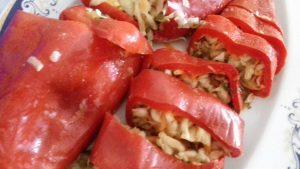 Κόκκινες πιπεριές τουρσί - α1