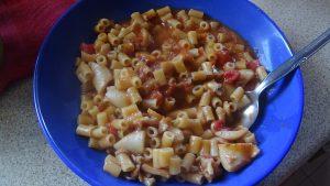 Σουπιές με κοφτό μακαρονάκι - Συνταγή - ηχωμαγειρέματα