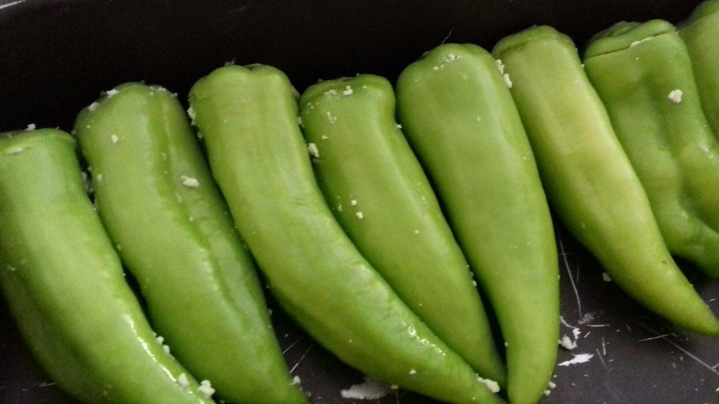 Πιπεριές γεμιστές με κρέμα φέτας - 17