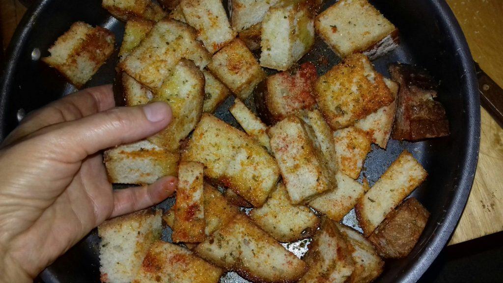 Κρουτονάκια με μπαγιάτικο ψωμί - 13