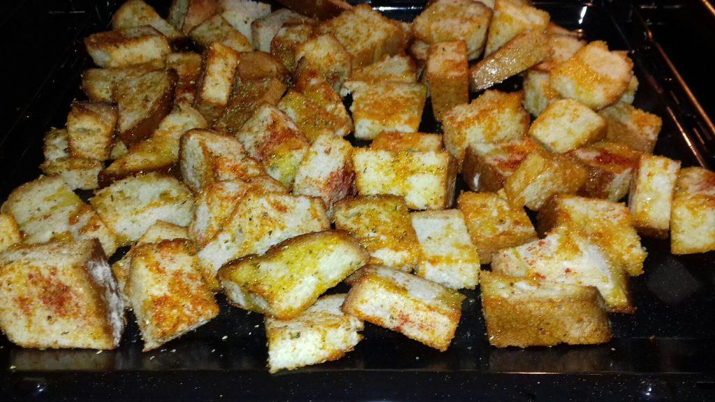 Κρουτονάκια με μπαγιάτικο ψωμί - 17