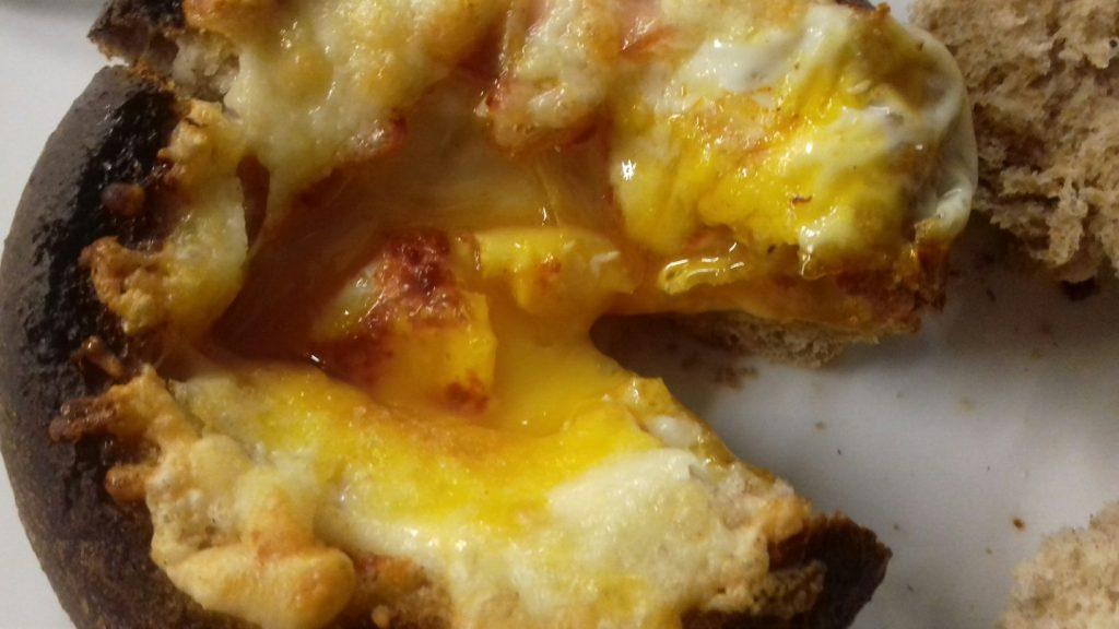 Τραγανές φωλίτσες ψωμιού με μπέικον, αυγό και κίτρινα τυριά - 24