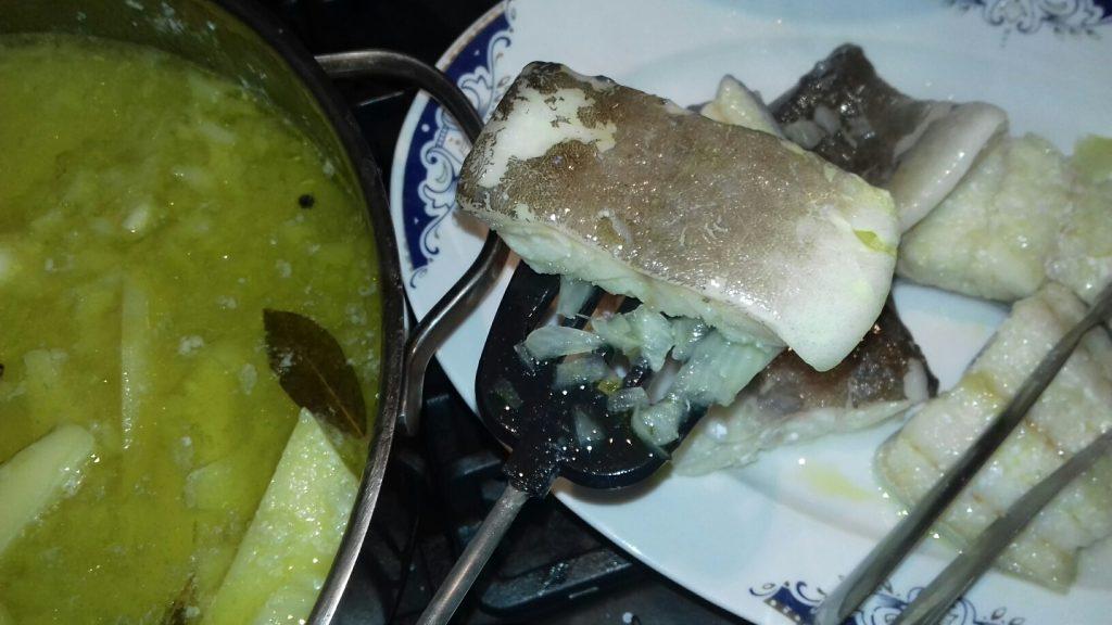 Μπακαλιάρος αγιορείτικος με πατάτες και σάλτσα ντομάτας - 30