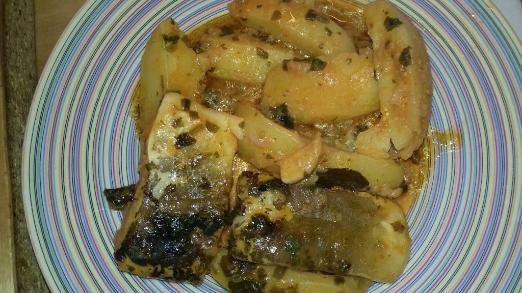 Μπακαλιάρος αγιορείτικος με πατάτες και σάλτσα ντομάτας - 43