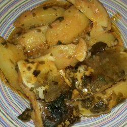 Μπακαλιάρος αγιορείτικος με πατάτες και κόκκινη σάλτσα