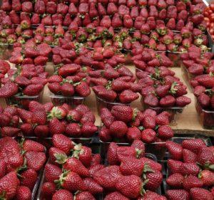 φράουλες στη λαϊκή