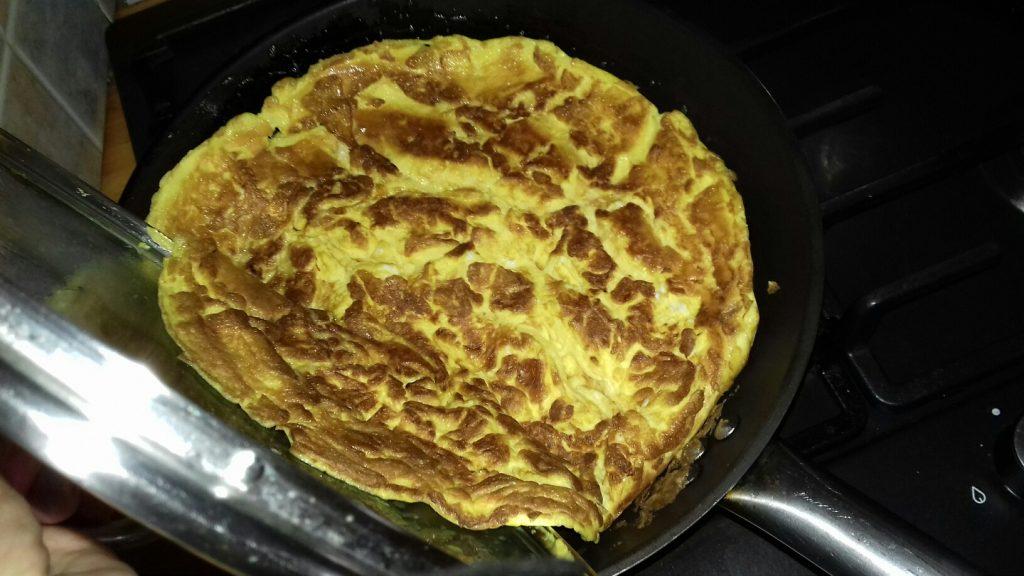 Ομελέτα με μαγειρεμένο κιμά που περίσσεψε - 15
