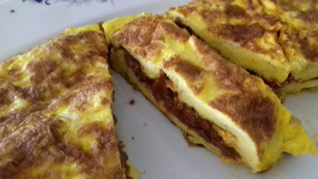 Ομελέτα με μαγειρεμένο κιμά που περίσσεψε - 23 - ηχωμαγειρέματα