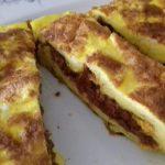 Ομελέτα με μαγειρεμένο κιμά που περίσσεψε…