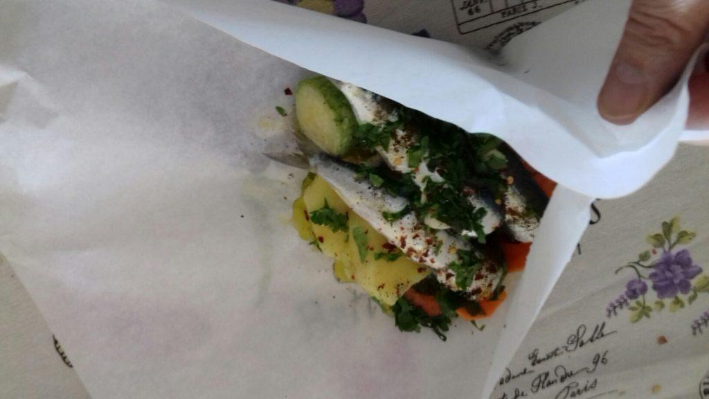 σαρδέλες με λαχανικά σε πουγκάκια - 17