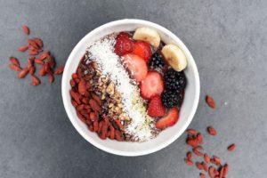Πρωινό, δημητριακά, φρούτα
