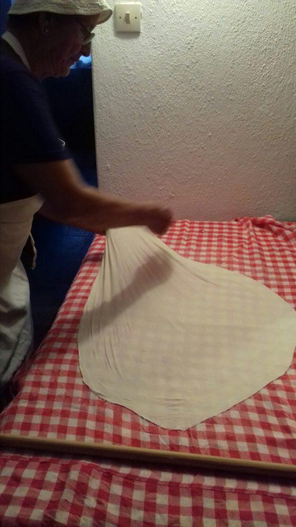 Σταφιδόπιτα - Γλυκιά τραβηχτή στριφτόπιτα με σταφίδες - 25