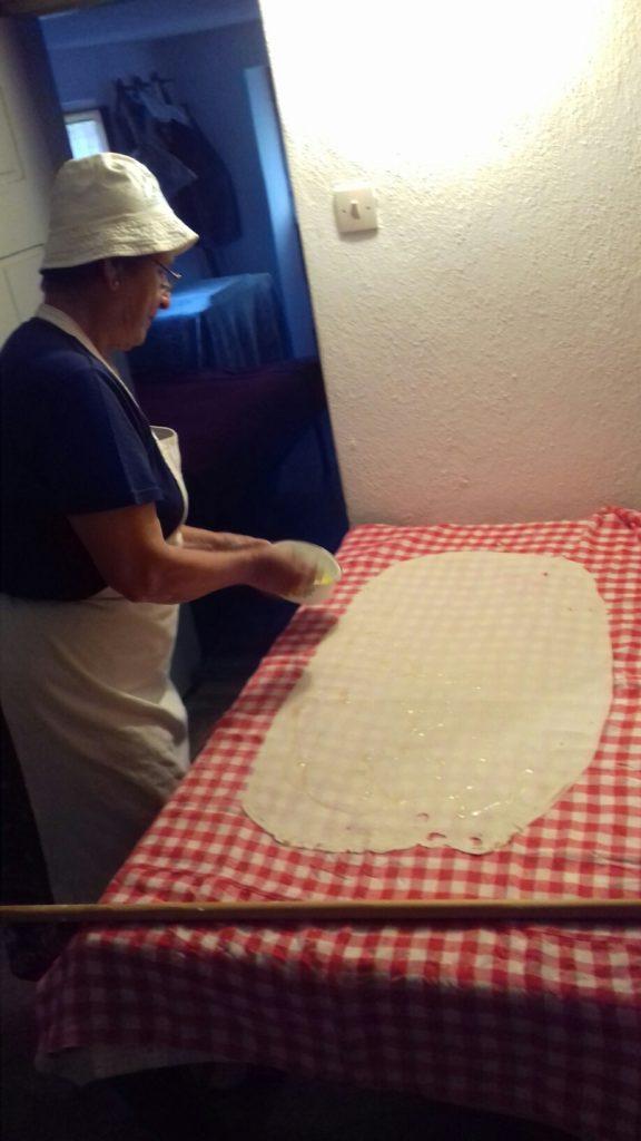 Σταφιδόπιτα - Γλυκιά τραβηχτή στριφτόπιτα με σταφίδες - 32