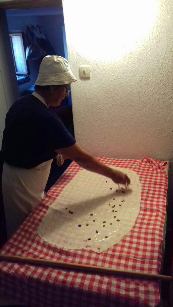 Σταφιδόπιτα - Γλυκιά τραβηχτή στριφτόπιτα με σταφίδες - 34
