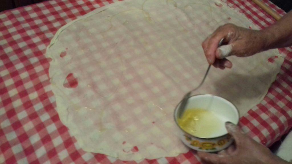 Σταφιδόπιτα - Γλυκιά τραβηχτή στριφτόπιτα με σταφίδες - 9