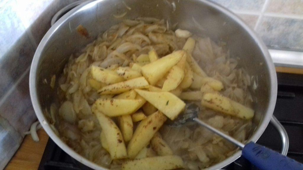 Κεφτέδες με κρεμμύδια και πατάτες στο φούρνο - 31