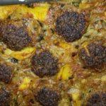 Κεφτέδες με κρεμμύδι και πατάτες στο φούρνο. Παραδοσιακό γιορτινό Φλωρινιώτικο φαγητό