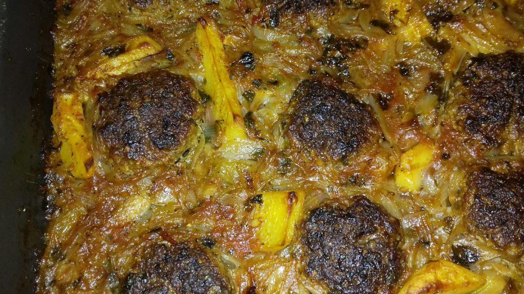 Κεφτέδες με κρεμμύδια και πατάτες στο φούρνο - 44