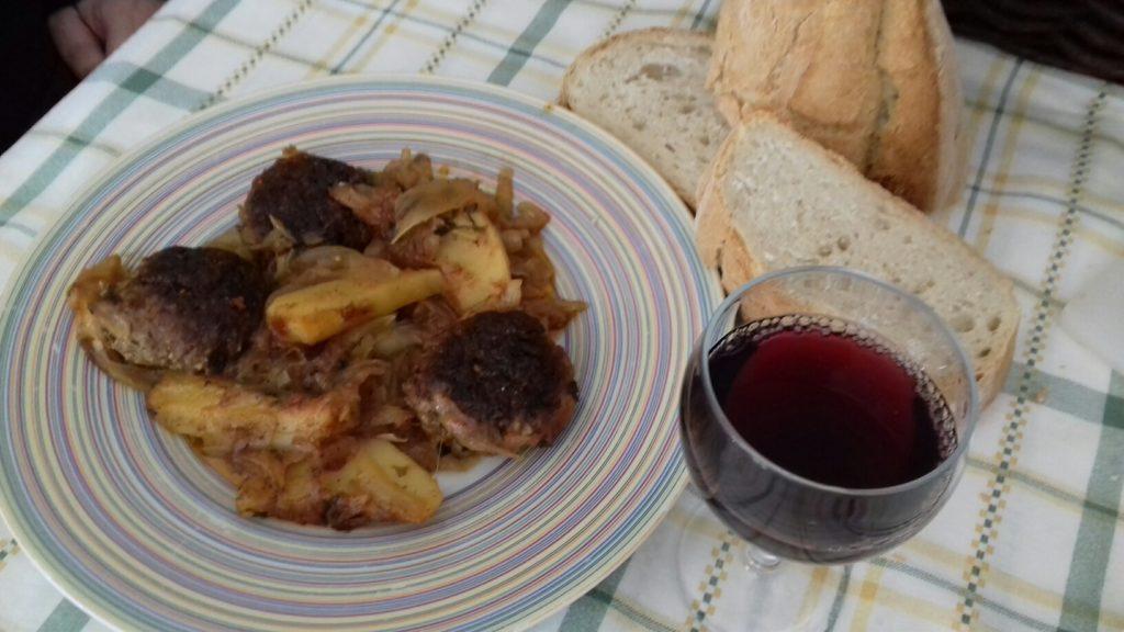 Κεφτέδες με κρεμμύδια και πατάτες στο φούρνο - 45