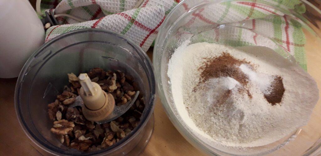 αφράτη καρυδόπιτα με κρέμα βελούδο - 12