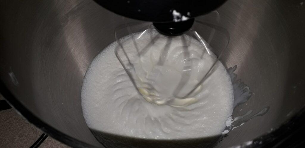 αφράτη καρυδόπιτα με κρέμα βελούδο - 95