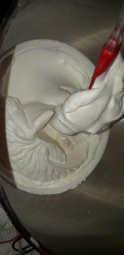 αφράτη καρυδόπιτα με κρέμα βελούδο - 97