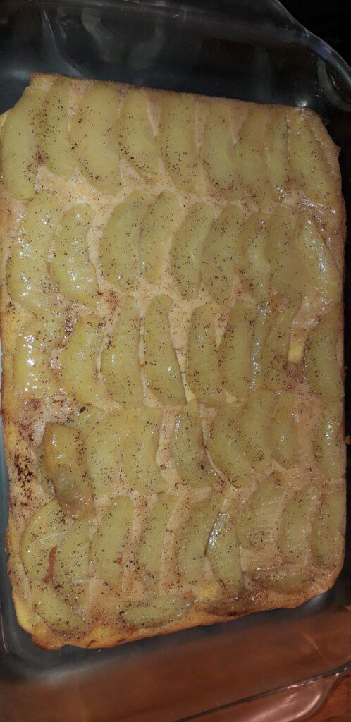αφράτο γλυκό μήλου με παντεσπάνι στον φούρνο - 33