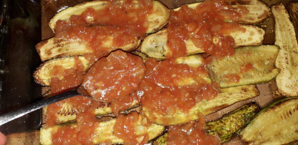 Κολοκυθάκια με τυρί και ντομάτα στον φούρνο - 24