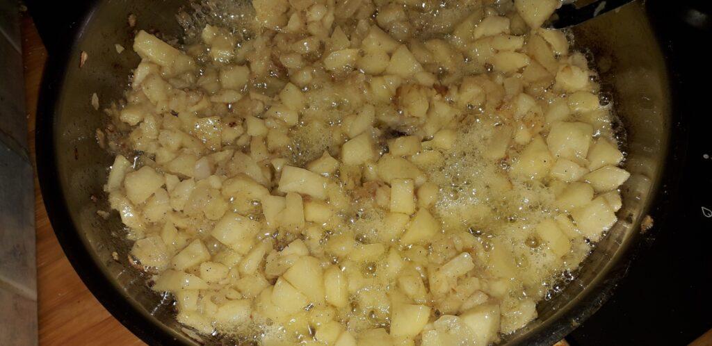 χωριάτικη ομελέτα με πατάτες και κρεμμύδια - 16