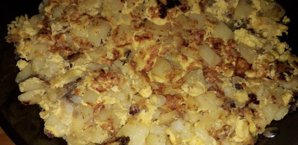 χωριάτικη ομελέτα με πατάτες και κρεμμύδια - 21