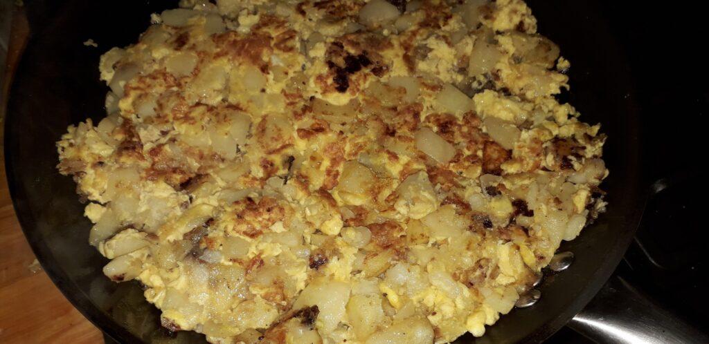χωριάτικη ομελέτα με πατάτες και κρεμμύδια - 22