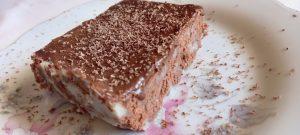 εύκολο γλυκό ψυγείου με μπισκότα σοκολάτας - 44